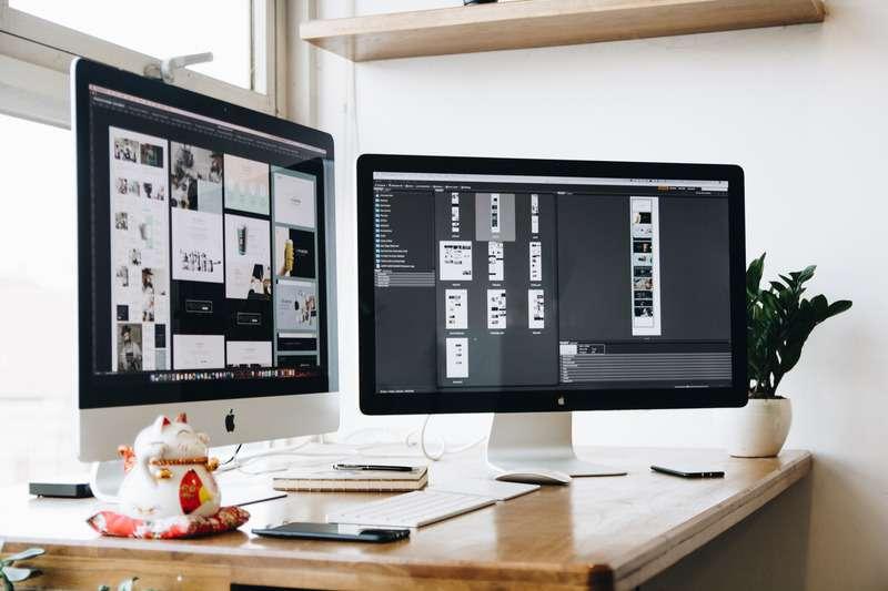 Webdesign bei Nordsee SEO am Arbeitsplatz